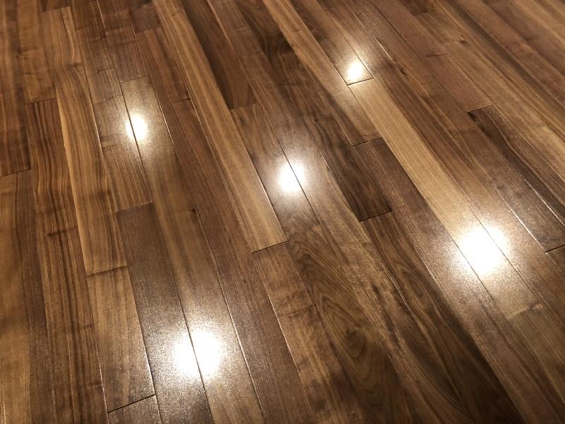 フロアコーティングされた床